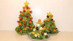 """Résultat de recherche d'images pour """"amuse bouche rigolo"""" Christmas Crafts For Kids, Simple Christmas, Christmas Decorations, Christmas Ornaments, Christmas Tree, Toast Noel, Navidad Simple, Cake Mug, Mini Burgers"""