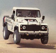 exploreby4x4:  Mubarak Alhajri in Land Rover http://ift.tt/1PULGCn