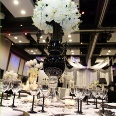 Black & White Wedding Table #Black & White wedding receptions ... Wedding ideas for brides, grooms, parents & planners ... https://itunes.apple.com/us/app/the-gold-wedding-planner/id498112599?ls=1=8 … plus how to organise an entire wedding, without overspending ♥ The Gold Wedding Planner iPhone App ♥