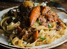 Steaks, Spaghetti, Meat, Chicken, Ethnic Recipes, Food, Roast Beef, Beef Steaks, Essen