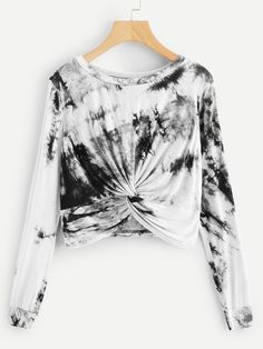 To find out about the Twist Tie Dye Tee at SHEIN, part of our latest T-Shirts ready to shop online today! Girls Fashion Clothes, Fashion Outfits, Vetement Fashion, Casual Tie, Dye Shirt, Plus Size T Shirts, Romwe, Fashion News, Fashion Styles