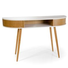 Moka decoración  Consola Ako.  Consola de formas redondeadas y estilo nórdico años 50.  Combina madera de roble natural con sobre de color blanco.  Medidas:  130x40x80 cm.
