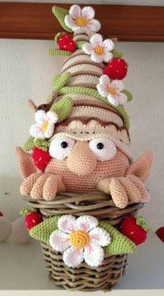 Amazing amigurumi gnome free pattern ༺✿ƬⱤღ✿༻