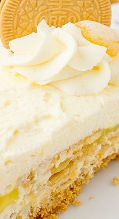 Lemon Oreo Icebox Cake - Spend With Pennies Oreo Icebox Cake, Lemon Icebox Cake, Icebox Desserts, Icebox Cake Recipes, Best Cake Recipes, Dessert Recipes, Favorite Recipes, Cake Frosting Recipe, Frosting Recipes