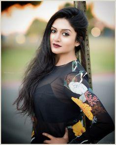 South Indian film actress Vimala Raman new picture gallery. Latest hd image gallery of Vimala Raman. Bollywood Actress Bikini Photos, Tamil Actress Photos, Indian Film Actress, Indian Actresses, Girl Photo Poses, Girl Photos, Mallika Sherawat Hot, Priyanka Chopra Hot, Hollywood Heroines