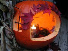 A Mountain Hearth: Fairy Pumpkin House