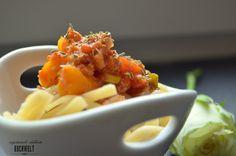 Spaghetti mit Gemüse-Bolognese (vegan) äußerst lecker <3 http://kochwelt-blog.de/2014/05/spaghetti-mit-gemuse-bolognese-vegan/