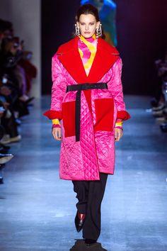 Prabal Gurung Fall 2019 Ready-to-Wear Fashion Show - Vogue Vogue Fashion, New York Fashion, Runway Fashion, High Fashion, Vogue Paris, Ikat Print, Prabal Gurung, Fashion Show Collection, Mannequins
