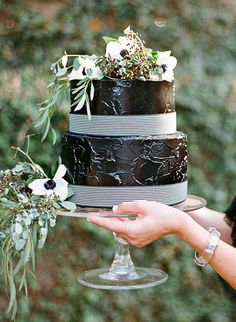 15 wedding cakes we adore: http://www.stylemepretty.com/2014/08/07/15-wedding-cakes-we-adore/ | Photography: http://loveisabird.com/