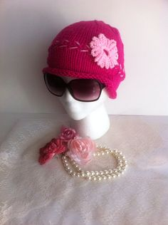 Women's hat / teen's hat / fuchsia hat / chic hat by LoreNovedades