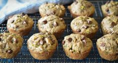 (TESTED & PERFECTED RECIPE) Loaded with shredded zucchini and chocolate chips, these muffins make a wholesome on-the-go breakfast or after school snack. Zucchini Muffins, Zucchini Chocolate Chip Muffins, Best Blueberry Muffins, Chocolate Muffins, Zucchini Pizzas, Mini Muffins, Easy Delicious Recipes, Yummy Food, Easy Recipes