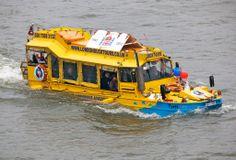 London Duck Tours, second World War amphibious craft. (LW19)