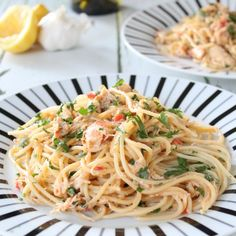 crab linguine - this pasta dish is so quick and easy to make and so delicious to eat! Crab Pasta Recipes, Seafood Pasta, Seafood Recipes, Cooking Recipes, Crab Meat Pasta, Tapas Recipes, Shellfish Recipes, Cooking Ideas, Vegan Recipes