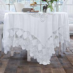 Tischdecke im Romantik-Look in Weiß mit aufwendiger Stickerei. 100% Baumwolle. Ca. 160 x 160 cm.    Bestellnummer: 5073219    € 79,95