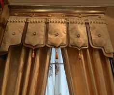 crown molding topped hard cornice board with double fabric banner type valance trimmed with tassel Luxury Curtains, Drapes Curtains, Drapery Designs, Cornice Boards, English Decor, Interior Windows, Curtain Patterns, Custom Window Treatments, Window Dressings