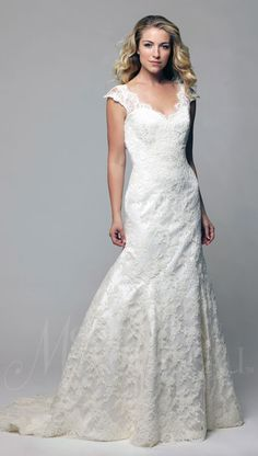 """@moderntrousseau """"CARRIE"""" 