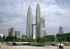 As maiores torres gêmeas do mundo - Gigantes do Mundo
