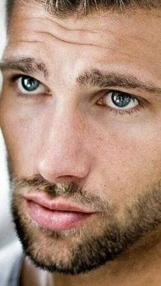 Hot Men, Hot Guys, Sexy Men, Short Beard, Sexy Beard, Beautiful Men Faces, Gorgeous Eyes, Beautiful People, Handsome Faces