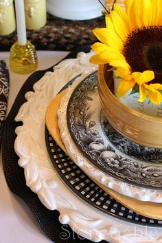 black and white and yellow - love this Tapas, Buffets, Purple Home, Beautiful Table Settings, Mellow Yellow, Color Yellow, Colour, Decoration Table, Tablescapes