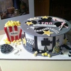 Movie Reel Cake - cake by Patty Cake's Cakes Hollywood Cake, Hollywood Theme, Movie Theme Cake, Red Carpet Theme Party, Movie Night For Kids, Movie Reels, Coffee Cafe, Cakes And More, Birthday Cake