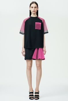 Get inspired and discover Christopher Kane trunkshow! Shop the latest Christopher Kane collection at Moda Operandi. Sport Fashion, Look Fashion, Fashion Details, High Fashion, Fashion Show, Womens Fashion, Fashion Design, Runway Fashion, Christopher Kane