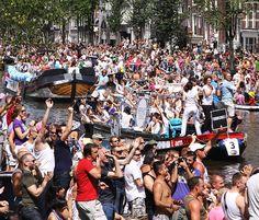 Canal Parade 2008, 2009 en 2011 | Oog op Amsterdam