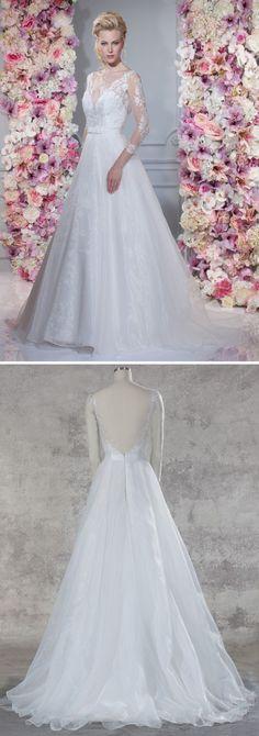 """Isabel de Mestre - Miss Isabel Kollektion 2017: Brautkleid """"Josephine"""" in A-Linie mit transparenten, spitzenverzierten Armen und tiefem Rückenausschnitt."""