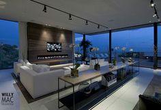 Floor to roof windows.... LOVE