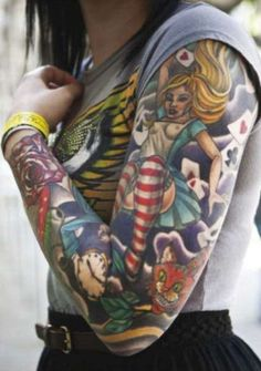 Alice in Wonderland sleeve<3