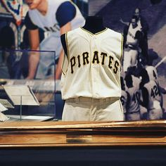 You can now relive one of the greatest moments in sports history every day at the Western Pennsylvania Sports Museum. The History Center announced earlier today that Alba and Thomas Tull have generously donated Bill Mazeroski's iconic uniform and bat from Game 7 of the 1960 World Series, when Maz's legendary walk-off home run lifted the Pittsburgh Pirates over the New York Yankees to clinch the franchise's third world championship. @pittsburghpirates @mlb #pittsburgh #pittsburghsports…