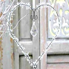 Sweet Sweet Home: (shabby decor with Christmas decorations) Wire Hanger Crafts, Wire Hangers, Wire Crafts, Driftwood Crafts, Valentine Decorations, Valentine Crafts, Christmas Decorations, Valentines, Noel Christmas