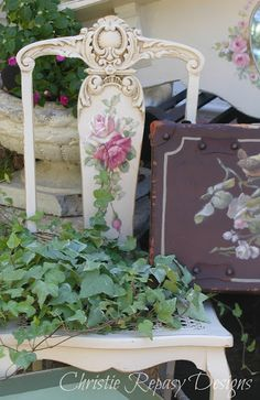 Painted Chair & ivy.....use some of that ivy that grows like crazy on the edges of my yard!