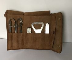 Vintage Manicure Set in Leather Case. Shirt Collar Stays, Shirt Stays, Leather Case, Real Leather, Brown Leather, Wilkinson Sword, Manicure Set, Travel Set, Grooming Kit