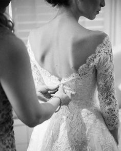 Lace, low back, quarter sleeves. Could be the perfect dress!! For Camera