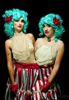 Circus twin Halloween costume = awesome