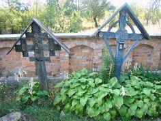 Wooden Crosses, Gazebo, My Arts, Outdoor Structures, Sagrada Familia, Artworks, Sculptures, Life, Fotografia