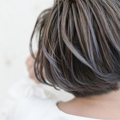 【HAIR】根岸和也さんのヘアスタイルスナップ(ID:241847) Black And Silver Hair, Hair Color For Black Hair, Short Hair Cuts, Short Hair Styles, Silver Hair Highlights, Bright Hair, Hair Art, Hair Inspo, Dyed Hair