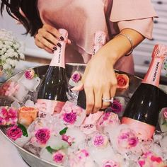 Fancy #flowericecubes, cause #detailsmatter �� #bridalshower #bride #bridesmaids #fancyparty http://gelinshop.com/ipost/1524910574093603082/?code=BUpkhZ7FhEK