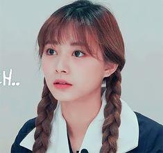 Kpop Girl Groups, Kpop Girls, Japanese Singles, Twice Jihyo, Twice Kpop, Tzuyu Twice, Cute Korean Girl, Meme Faces, Cute Gif