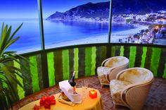 Hotel Kaktus. Vanaf het balkon is het pas echt genieten!