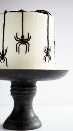 This Halloween inspired cake is sure to bring out your arachnophobia!