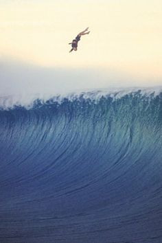 oh shit moments waves Big Waves, Ocean Waves, Motogp, Snowboard, Big Wave Surfing, Surfing Pictures, Surf City, Surfs Up, Surf Girls