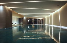 14 Indoor Swimming Pool Magnificent with Incredible Designs - Torturein Egypt Hotel Swimming Pool, Swiming Pool, Hotel Pool, Indoor Swimming Pools, Swimming Pool Designs, Hotel Spa, Piscina Hotel, Underground Pool, Pool Water Features