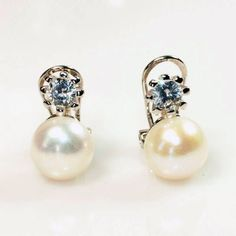 058628a34b29 Pendientes clasicos perla de agua cierre omega plata de ley 925