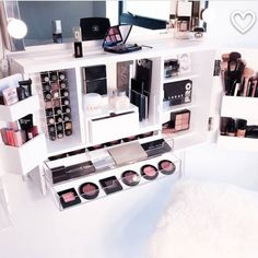 Makeup Organisation Goals !! : Pinterest #makeup #cosmetics #makeupstorage #makeuporganisation #bbloggers #instabeauty #instamakeup