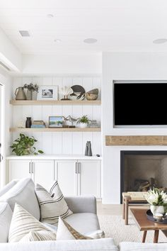 Sisustus keittiö Three Arch Bay Project — Pure Salt Interiors Types Of Persian Rugs Persian rugs can Cottage Living Rooms, Living Room Tv, Living Room With Fireplace, Home And Living, Cozy Living, Small Living, Cottage Fireplace, White Living Rooms, Living Room Pillows
