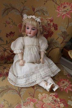 Handwerck 109 Antique Bisque Doll w Crier Body, 18 IN, Antique German Doll