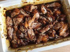 Meestal kook ik thuis. Maar als The Mr. zijn onovertroffen Surinaamse marinade gaat maken, ga ik even rustig zitten. Bekijk het recept nu op de blog!