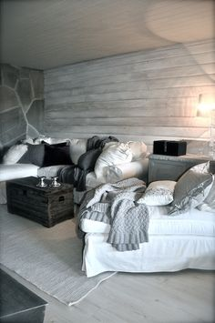 Cozy ♥ Grey / Black / White Living Room ♥ Home Decor Ideas