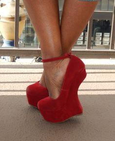 Wedge Heels, Pumps Heels, Pink Wedges, Sexy High Heels, Suede Pumps, Sexy Feet, Clogs, Sneakers, How To Wear